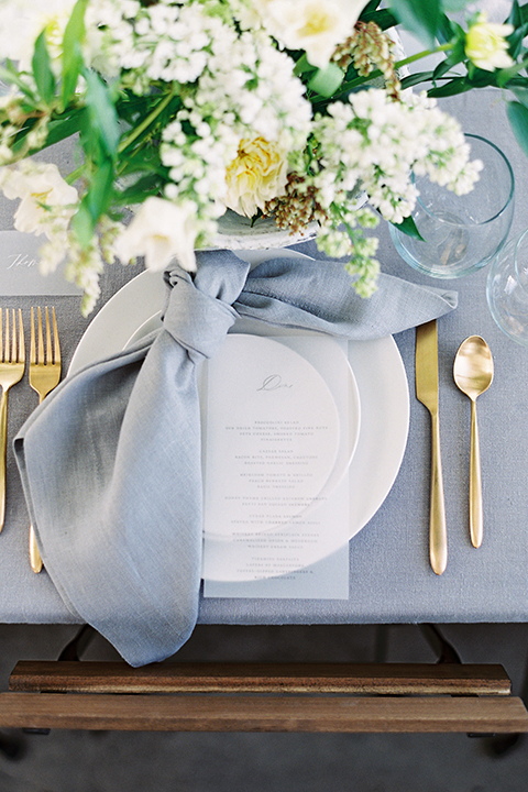 Los-angeles-modern-wedding-at-fd-photo-studio-table-set-up-with-place-setting-2