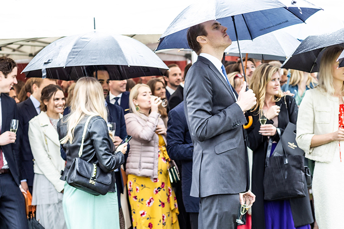 Wedding-rain-guests